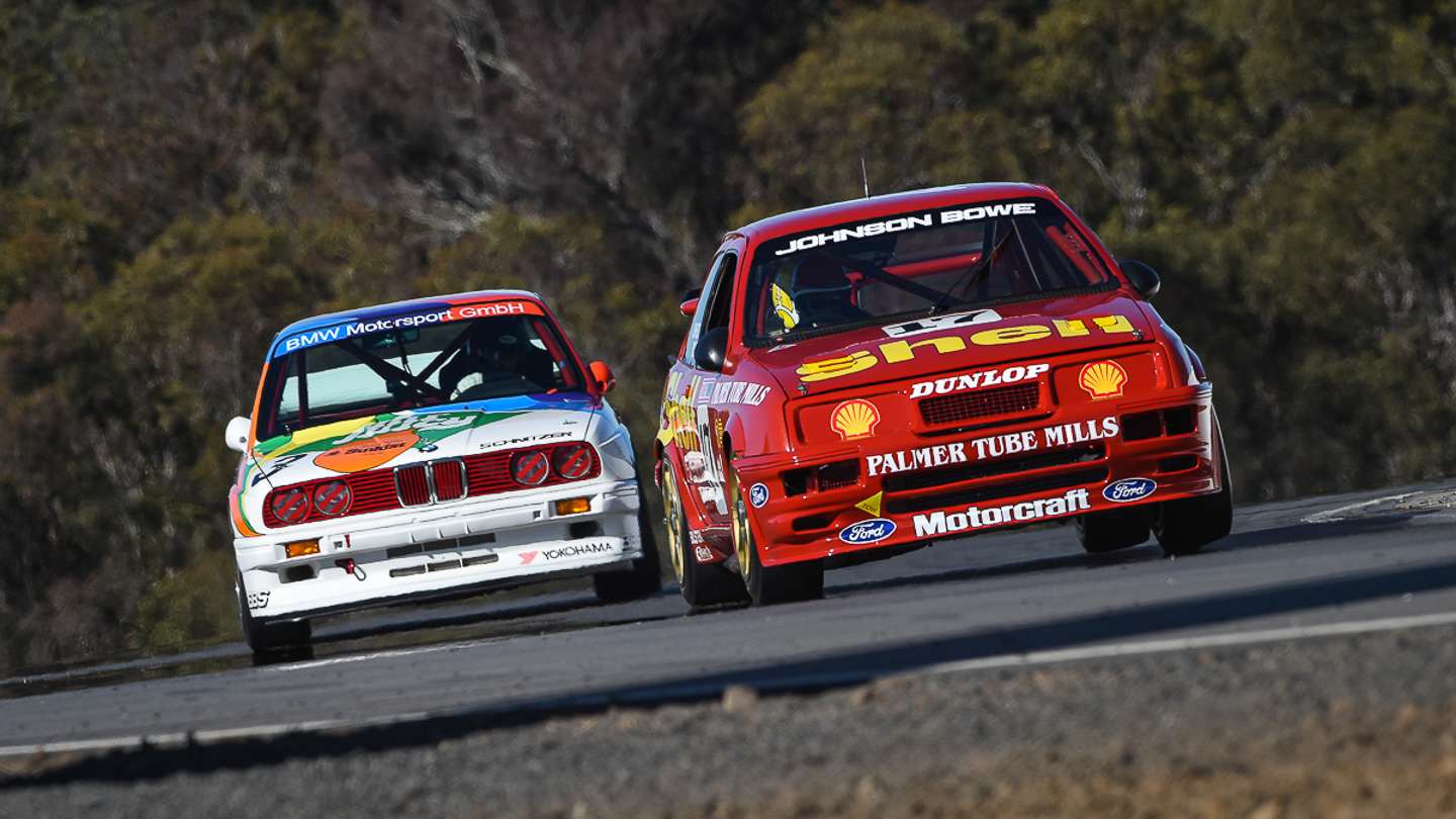 Classic touring car racing at Historic Queensland