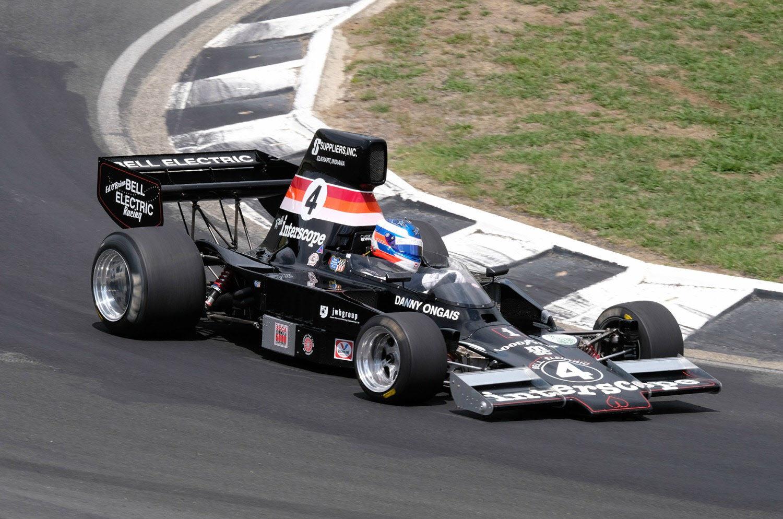 Historic F5000 racing at Manfeild