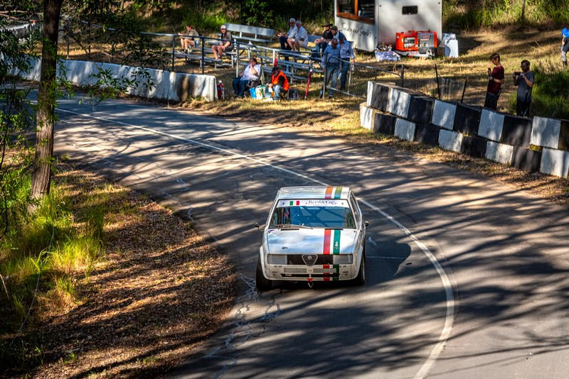 Racing up the Noosa Hillclimb Winter Challenge
