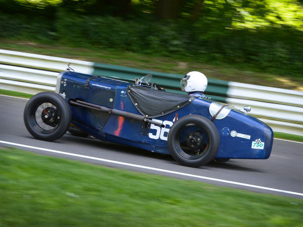 Racing at the VSCC Formua Vintage Series at Cadwell Park