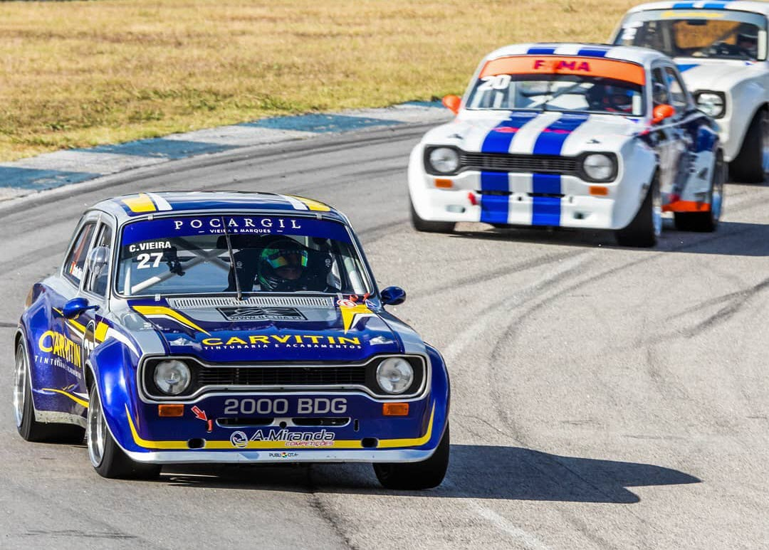 Historic racing action features at the Super Racing Series event at Braga