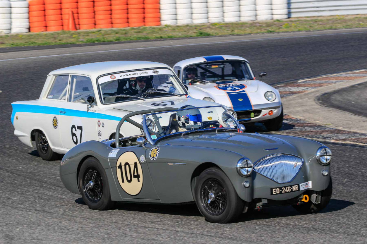 Classic sports and touring cars racing at the Historic Tour Lédenon