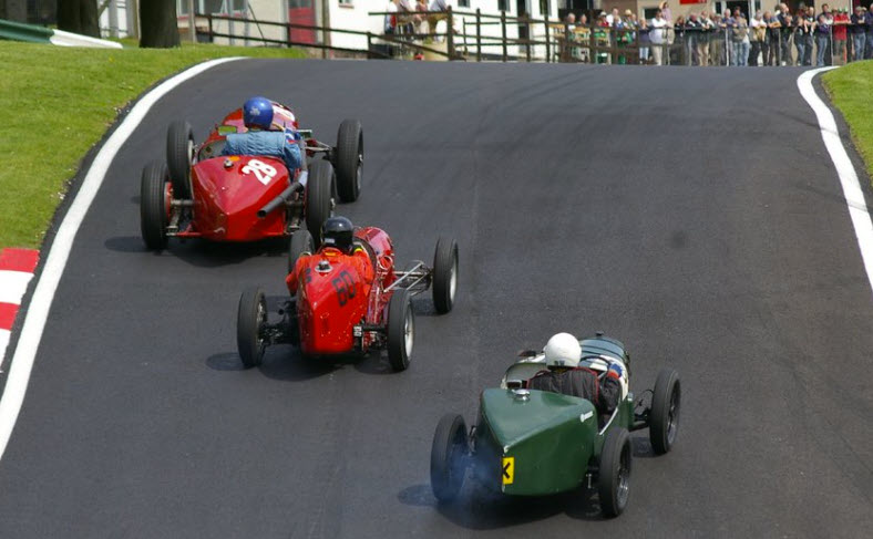 Close vintage racing at the VSCC Cadwell Park event