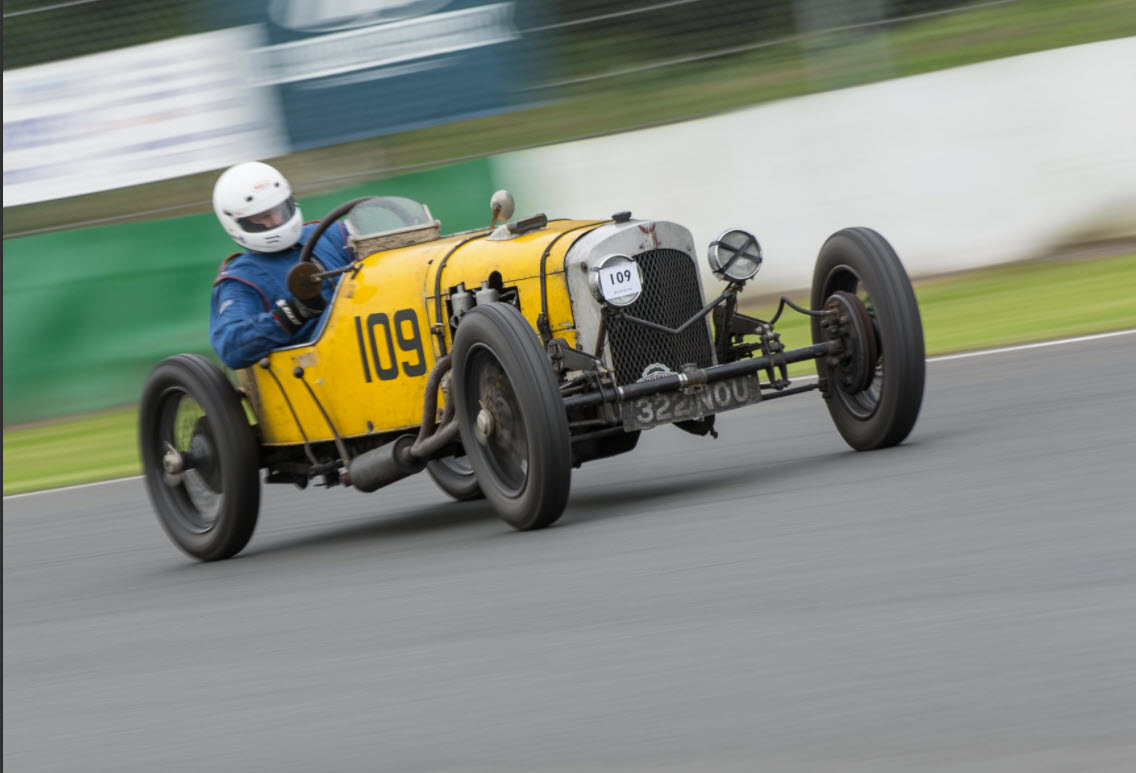 Vintage racing at the VSCC Mallory event