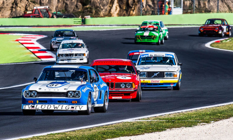 Historic touring cars feature in racing at the Vallelunga Classic