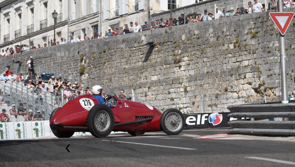 Vintage racing features at the Circuit des Remparts