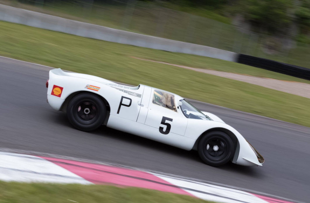 Historic Porsche sportscar racing at the Sommet des Légendes