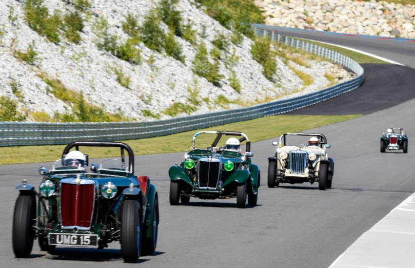 Classic sportscars racing at the White Mountain Vintage Grand Prix